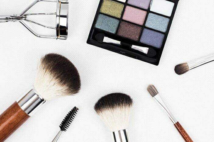 makijaż do pracy w domu